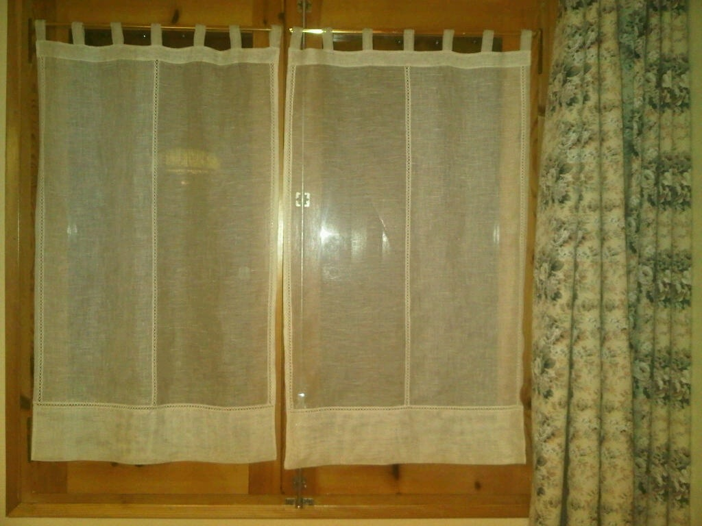 Pin cortinas y visillos brico group online on pinterest for Visillos para cortinas